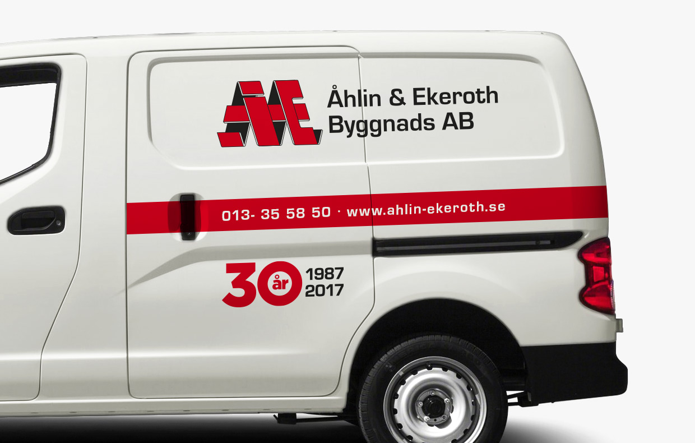 Jubileumslogotyp för Åhlin & Ekeroth Byggnads AB